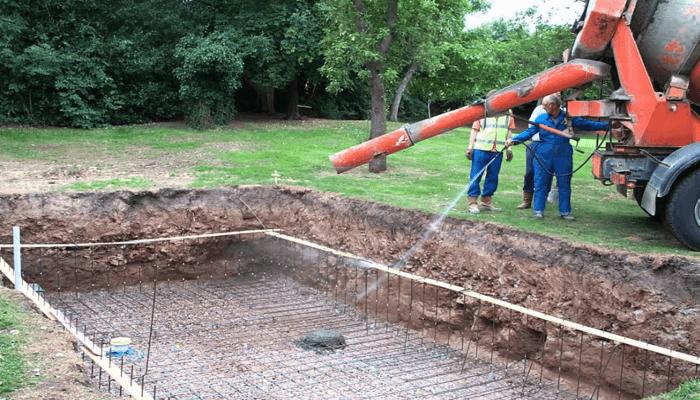 biaya konstruksi kolam renang mahal