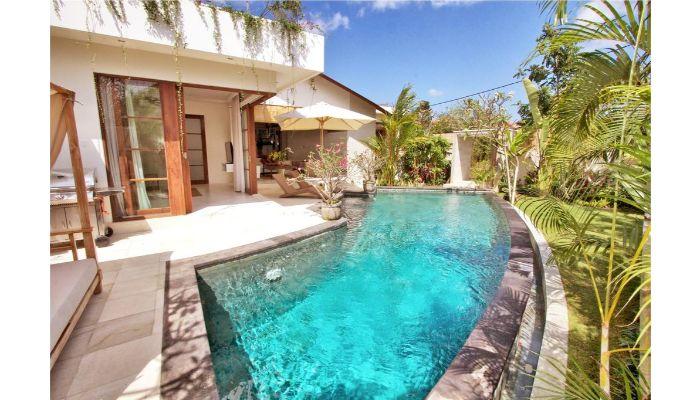 Kolam Renang Sederhana di Rumah