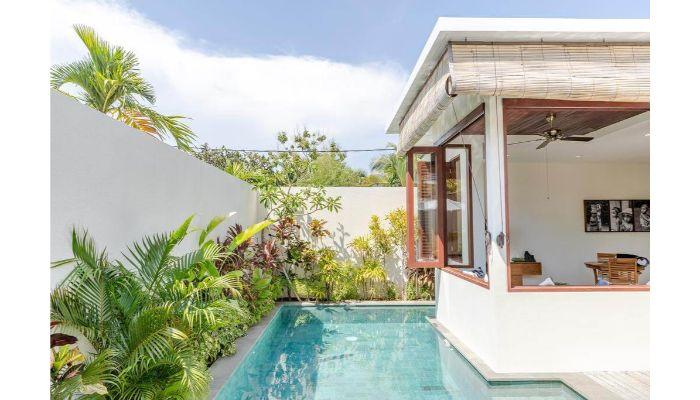 Rumah Sederhana dan Kolam Renang Minimalis